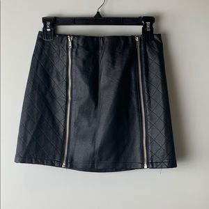LF mieeion faux leather black skirt size small